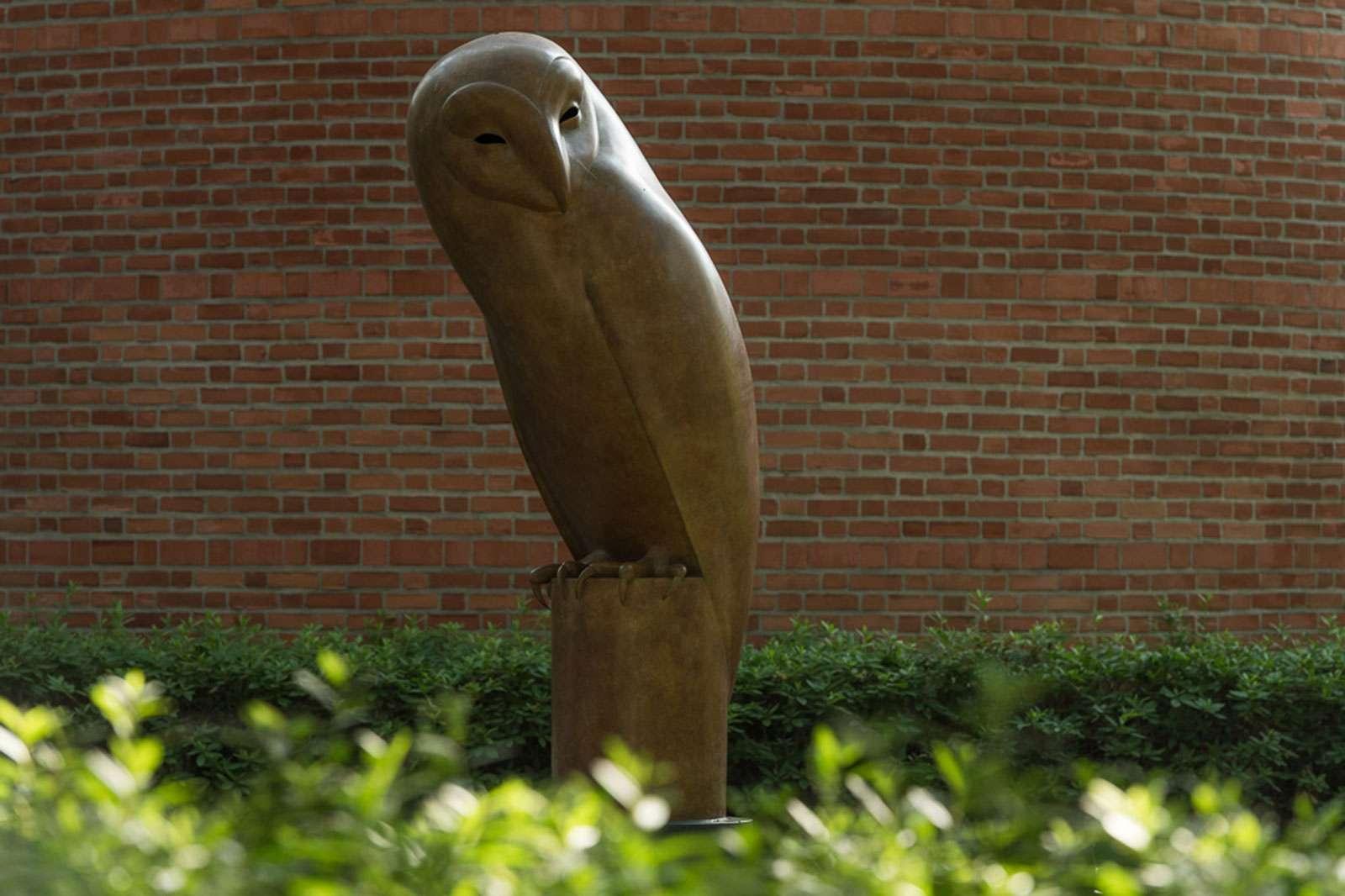 Geoffrey Dashwood, Monumental Barn Owl, 2009. Photo: Nash Baker