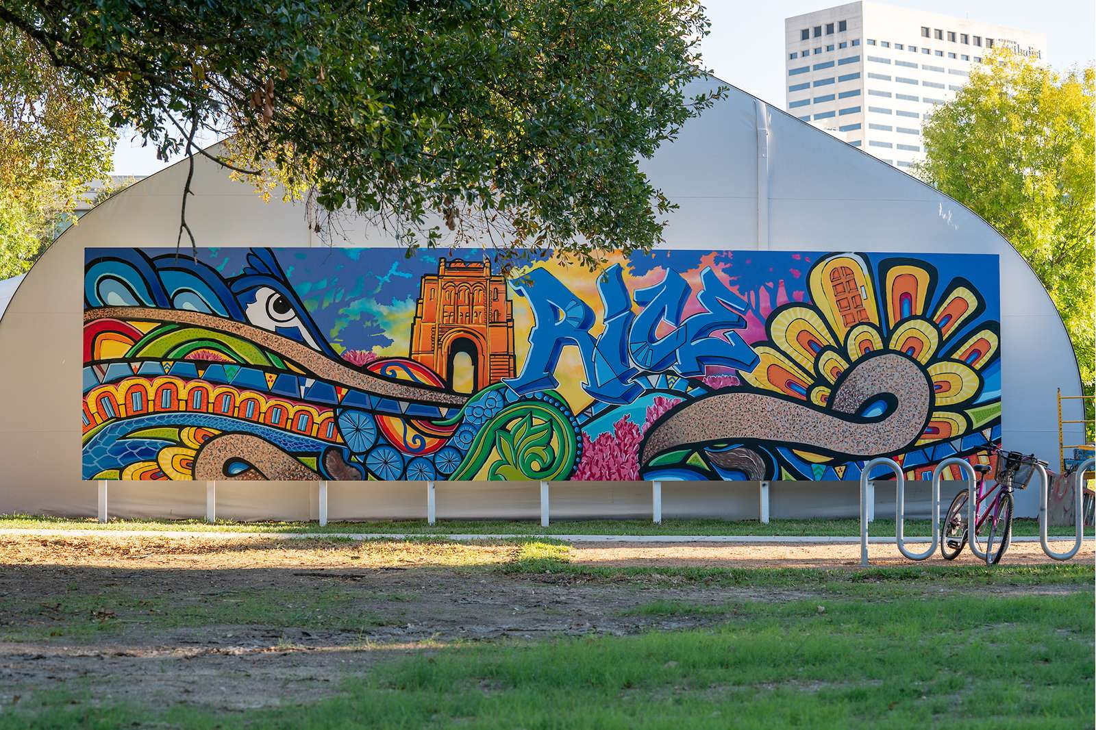 Mural by Gonzo. Photo by Tommy LaVergne.