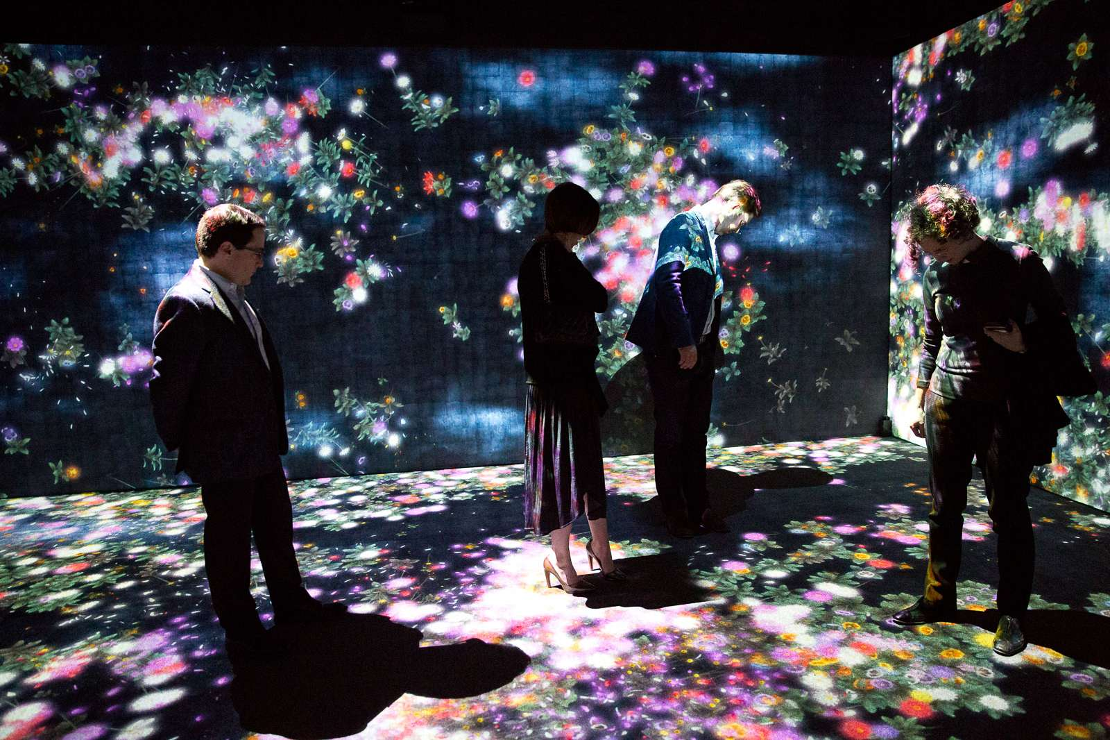 teamLab, Flowers and People, Cannot be Controlled but Live Together – A Whole Year per Hour, 2015. Interactive Digital Installation, Endless, Sound: Hideaki Takahashi. Installation photo at the Moody Center for the Arts, 2017. Photo: Jenny Antill
