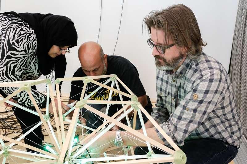 Olafur Eliasson, Green light – An artistic workshop, 2016