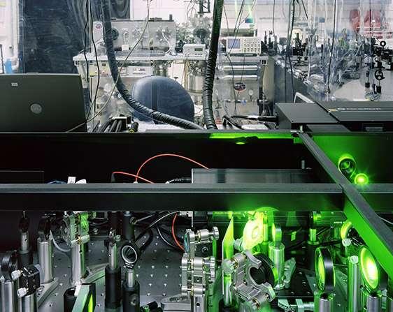 Thomas Struth, High Harmonic Generation Spectrometer, Weizmann Institute, Rehovot, 2009. © Thomas Struth